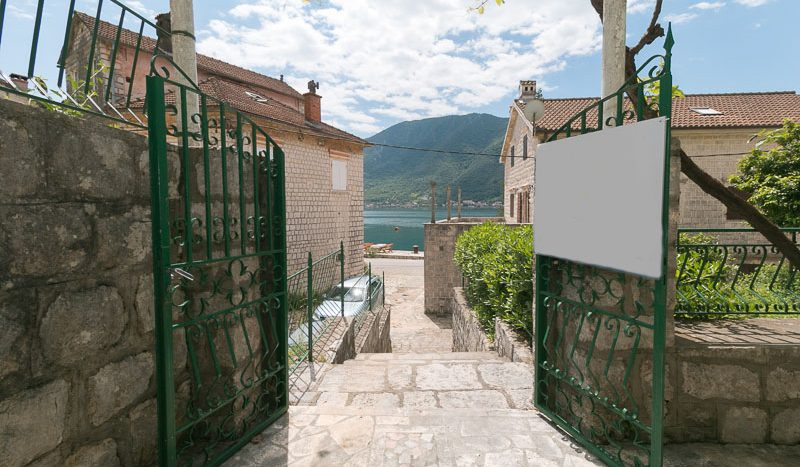 Perast - Kotor / 3 bedroom stone cottage with large terrace