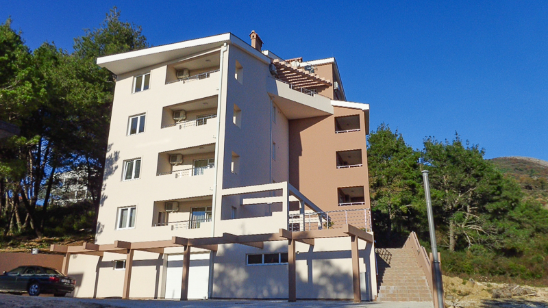 2 Bedroom Apartment With Parking Balcony And Sea View For