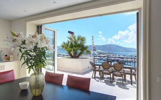 Tivat, Porto Montenegro – duplex apartment with open sea view